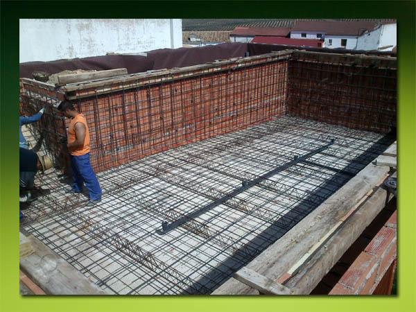Piscinas en construcci n for Manual construccion de piscinas