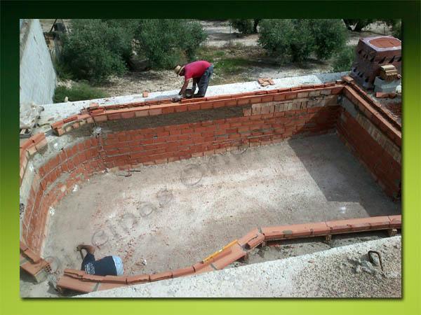 Piscinas en construcci n for Construccion piscinas chicureo